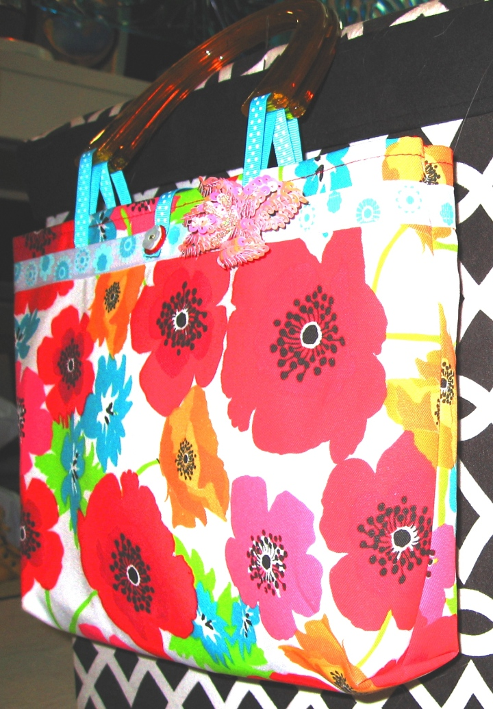 small tote - flowers