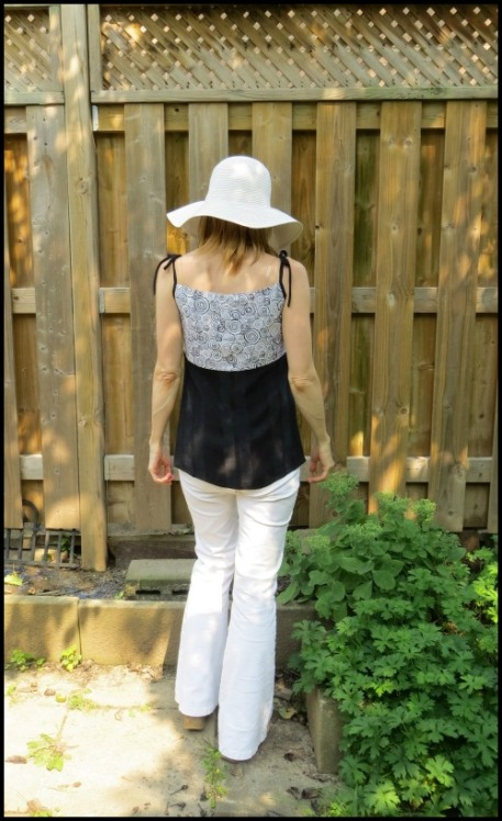 Burda 7221 tanktop back view